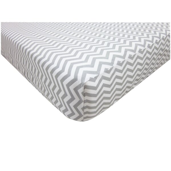 Percale 100% Cotton Zigzag Fitted Crib Sheet by American Baby Company